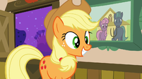 Applejack smiling S3E8