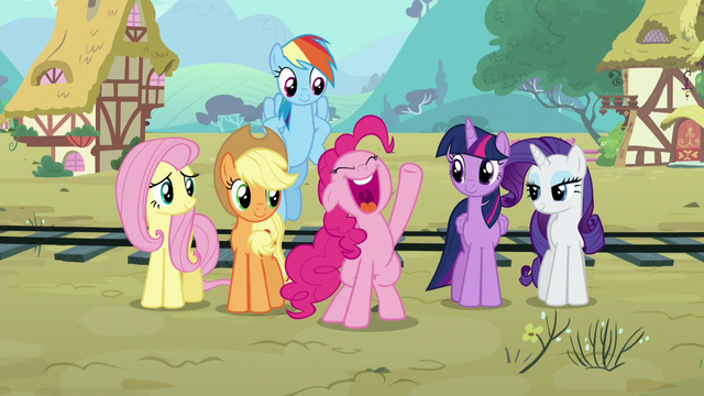 File:Pinkie thanks the sheeps S5E11.png