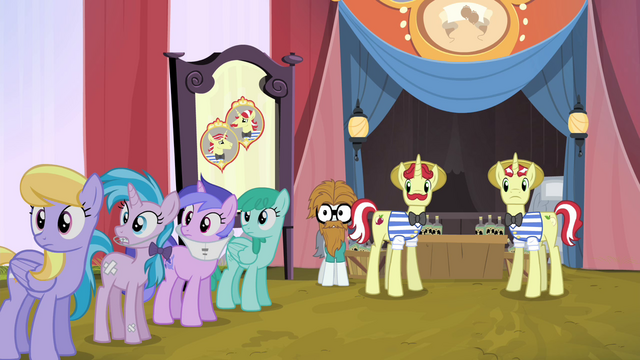 File:Ponies looking at Applejack S4E20.png