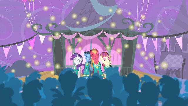 File:Ponytones onstage S4E14.png