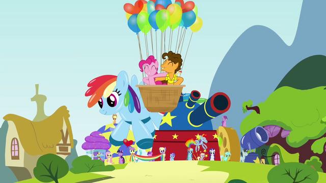 File:Birth-iversary party pony parade S4E12.png
