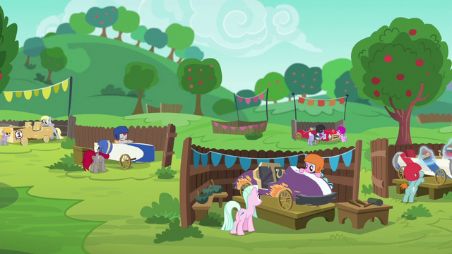 File:Pony pairs finishing their carts S6E14.png