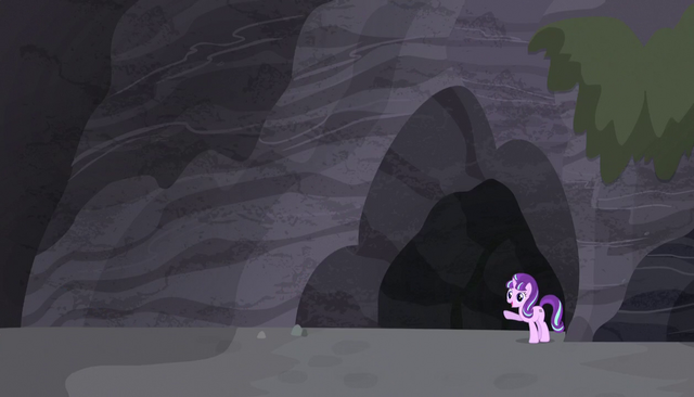 File:Starlight stands outside the cave S5E1.png
