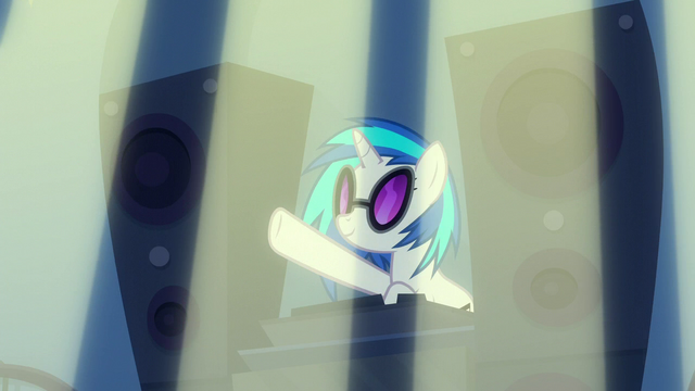 File:DJ Pon-3 providing beats for the grand opening S6E9.png
