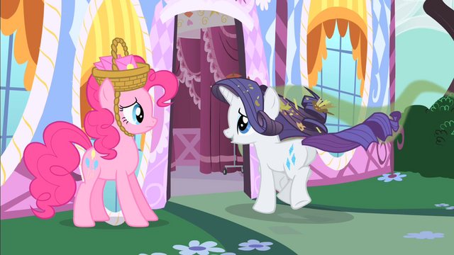 File:Rarity running back to her house S1E25.png