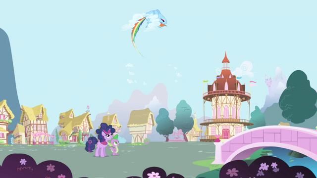 File:Rainbow Dash makes a loop S1E01.png