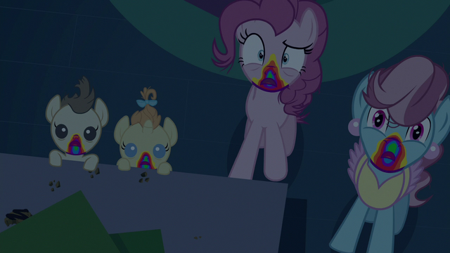 File:Zombie Pinkie, Mrs. Cake, and Cake twins S6E15.png
