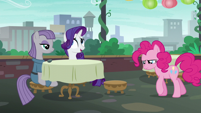 File:Pinkie returns to the restaurant defeated S6E3.png