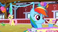 Rainbow Dash with some cake S01E25