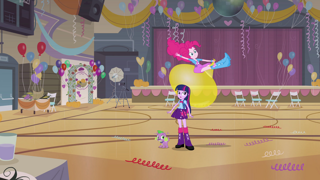 File:Pinkie Pie bouncing on large balloon EG.png