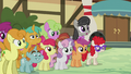 Octavia Melody joins the crowd S5E9.png