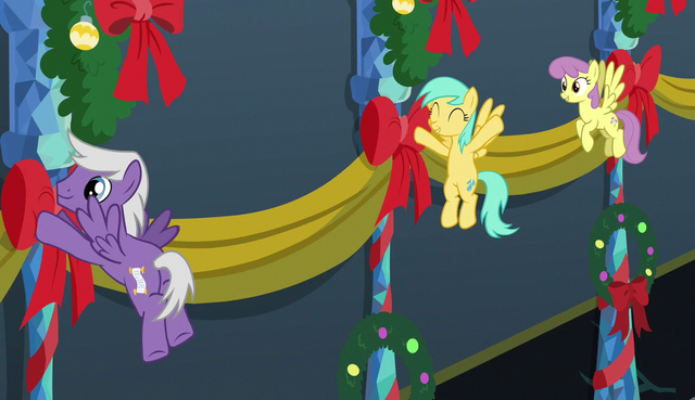File:Pegasi hanging banners on the wall S6E8.png