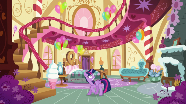 File:Twilight is worried S5E11.png