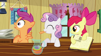 Scootaloo's plucking reaction S2E17