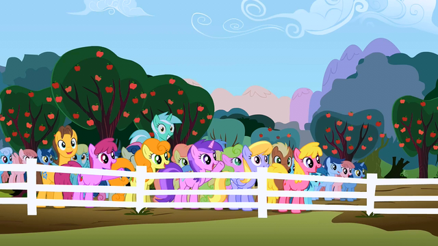 File:Everypony happy2 S02E15.png