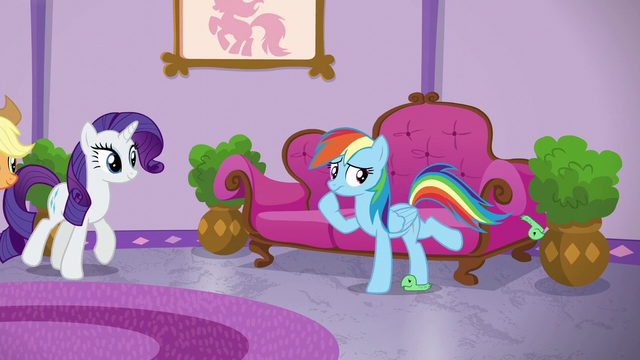 File:Rainbow kicking off her Tank slippers S6E10.png
