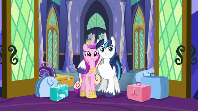 File:Cadance and Shining Armor arrive S5E19.png