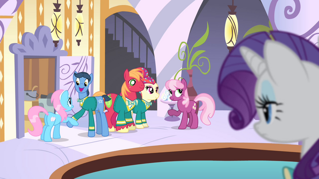 File:Cheerilee talking to the Ponytones S4E14.png
