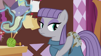 Maud putting dishtowel on her back S4E18