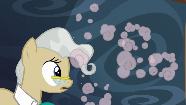 File:Mayor Mare sees Pinkie run away S5E19.png