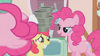 Pinkie Pie straightens pans for Apple Bloom S1E12