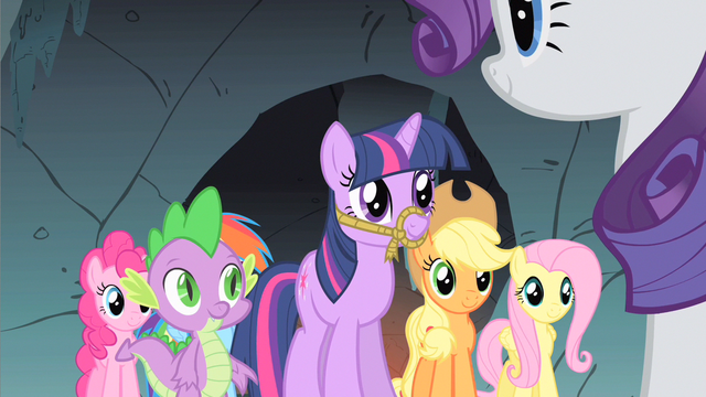 File:Spike & everypony happy S1E19.png