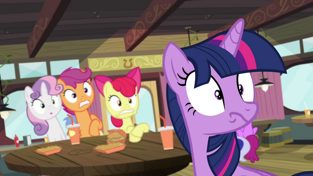 File:Twilight sees what's behind her S4E15.png