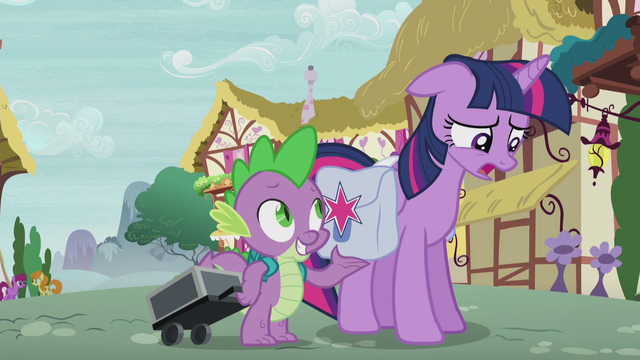 File:Twilight worried about Starlight Glimmer S5E25.png
