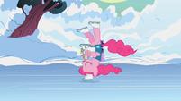 Pinkie Pie skating2 S1E11