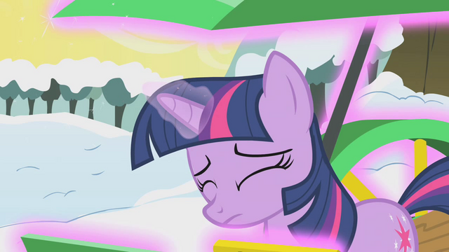 File:Twilight resorts to magic S1E11.png