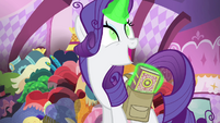 Rarity talks about the book S4E23