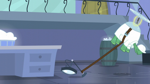 File:Tank pulls a magnifying glass together with him S5E5.png