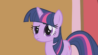 "Twilight Sparkle ""hmm"" S1E04"