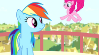 Rainbow sees Pinkie S4E12