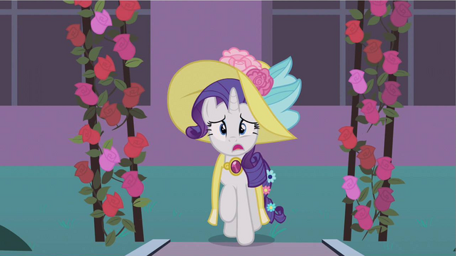 File:Rarity arriving S2E9.png