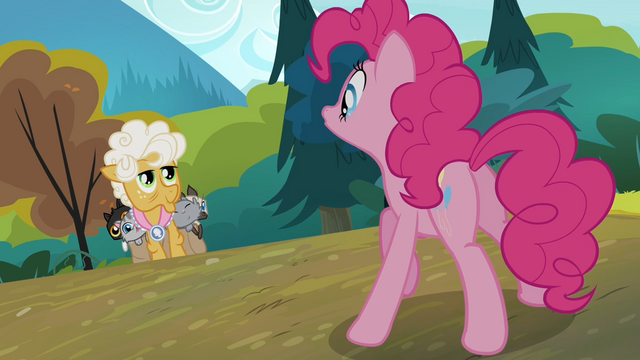 File:Pinkie says hello to Goldie Delicious S4E09.png