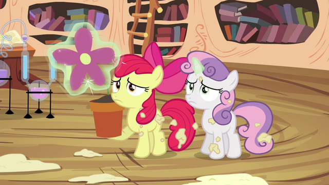 File:Sweetie Belle levitating flower bud S4E15.png
