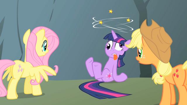 File:Twilight dizzy Applejack Fluttershy S1E15.png