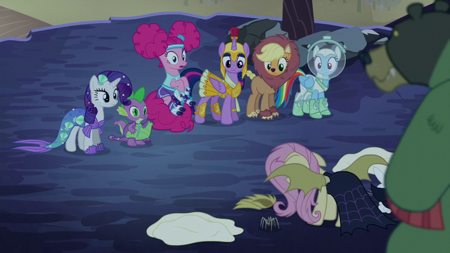 File:Pinkie Pie sitting on her bouncy tail S5E21.png