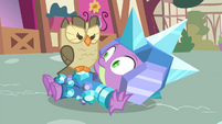 Owlowiscious glaring at armored Spike S4E23