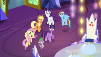 Pinkie's friends worried about her S5E19