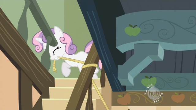 File:Sweetie-Belle-Rope-S2E12.png