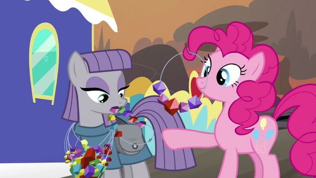 File:Pinkie Pie and Maud trade necklaces S4E18.png