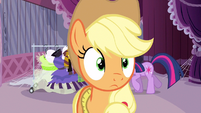 Applejack comprehending the help S3E13