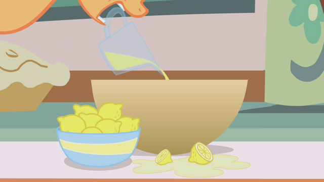 File:Applejack pouring lemon juice S1E04.png