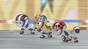 Roller derby fillies chasing Apple Bloom S1E12