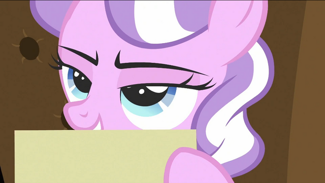 File:Diamond Tiara holding file S2E23.png