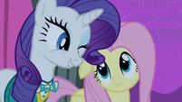 Rarity winks at Fluttershy S4E14