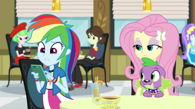 File:Rainbow Dash using her phone EG2.png