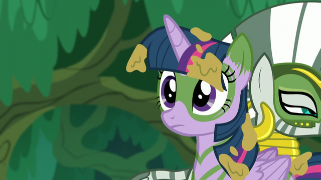 File:Twilight thinks about it S5E26.png